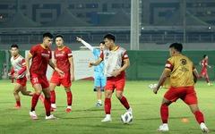 Tuyển Việt Nam tập buổi đầu tiên tại UAE chờ đấu Trung Quốc