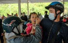 Hàng ngàn phần quà đang chờ bà con hồi hương đi qua Đà Nẵng