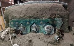 Tìm thấy xe ngựa rước lễ nguyên vẹn hơn 2.000 năm tuổi