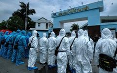 Bộ tư lệnh Thủ đô tiến hành tiêu độc khử trùng Bệnh viện K Tân Triều