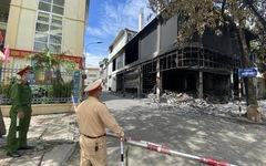 Vụ cháy phòng trà 6 người tử vong: Nhà hai mặt tiền nhưng không lối thoát hiểm?