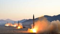 Triều Tiên bắn hạ máy bay ném bom hạt nhân của Mỹ... trên video