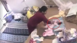 Bắt khẩn cấp người giúp việc bạo hành bé gái 1 tháng tuổi