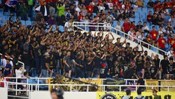 Cổ động viên Malaysia giận dữ vì thất bại của đội nhà