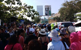 Hàng trăm ngàn du khách đổ về Nha Trang chơi Tết