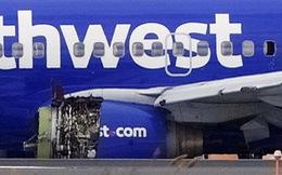 Máy bay nổ động cơ giữa không trung, hành khách bị hút ra cửa sổ
