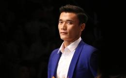 Bùi Tiến Dũng U23 Việt Nam đốt nóng sàn diễn thời trang quốc tế