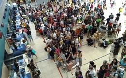 Hai chuyến bay đến TP.HCM 'đáp nhờ' xuống sân bay Cam Ranh