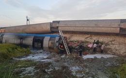 Tàu hỏa đâm ôtô tải lật 6 toa, ít nhất 2 người thiệt mạng, 6 bị thương