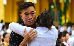 Phút bịn rịn của học sinh Sài Gòn ngày chia tay cuối cấp