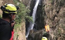 50 giờ nỗ lực đưa thi thể phượt thủ khỏi rừng sâu