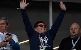 Maradona phì phèo xì gà, 'phân biệt chủng tộc' tại World Cup