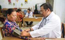 Khám, chữa bệnh miễn phí cho 500 người nghèo tại Bến Tre