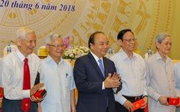 Thủ tướng Nguyễn Xuân Phúc: Tăng thu nhập cho người làm báo nhưng không để báo chí thương mại hóa