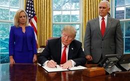 Ông Trump lùi bước, không chia rẽ gia đình người nhập cư lậu tại biên giới