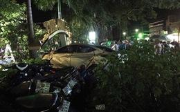 Xe hơi mất lái lao vào quán cà phê, hai nữ sinh thiệt mạng