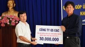 Các đơn vị thi công tuyến metro số 1 quyên góp giúp đồng bào miền Trung