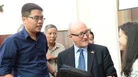 Tiếp tục những giấc mơ cho Việt Nam của Phạm Xuân Ẩn