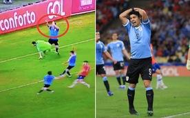 CĐV 'cạn lời' khi Suarez tố thủ môn... dùng tay trong vòng cấm
