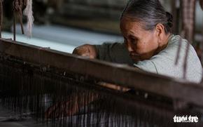 Làng dệt Mã Châu kiên cường bám trụ, cạnh tranh hàng Trung Quốc