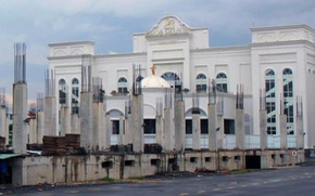 Khu phức hợp không phép 22.000 m2 sừng sững giữa trung tâm Biên Hòa