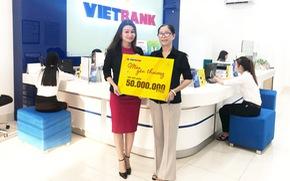 Khách hàng đầu tiên trúng 50 triệu đồng tại Vietbank
