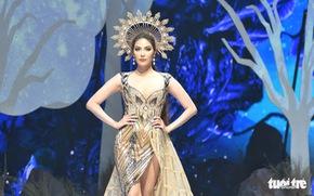 Vietnam Runway Fashion Week 2020: Bởi rừng là hơi thở, là sự sống, là sự hồi sinh...