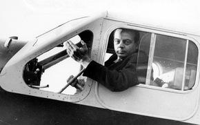 'Hoàng tử Bé' Saint-Exupéry vẫn bay cao trong vòm trời