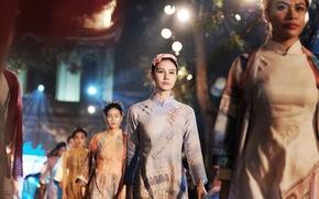 600 bộ 'áo dài của chúng ta' tràn ngập Văn Miếu