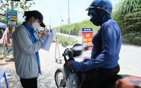 'Hàng rào áo xanh' bảo vệ làng xã