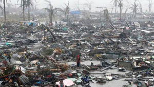 'Khai quật' và tung tin bão số 13: Nhầm lẫn hay câu view?