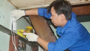 Cháu tôi thành công nhờ theo nghề sửa điện của cha