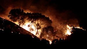 'Cơn bão lửa' vẫn hoành hành ở California