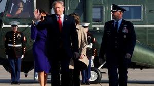 Tổng thống Trump mang 'đồ chơi' gì đến Việt Nam?