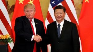 Ông Trump khiến ông Tập hai lần 'cười tươi'
