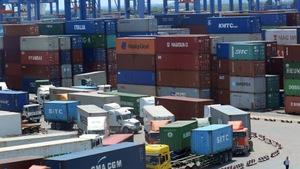 Công chức hải quan thứ ba bị bắt trong vụ 'hô biến' 213 container