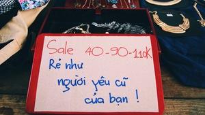 Chợ phiên bán đồ 'rẻ như người yêu cũ'