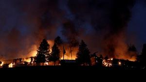 Ít nhất 10 người chết vì cháy rừng ở California