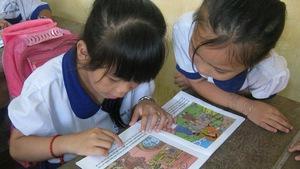 Trẻ miền quê khát sách: Quyền đọc sách của trẻ em