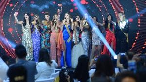 Hoa hậu hòa bình thế giới 2017 thể hiện tài năng ca hát