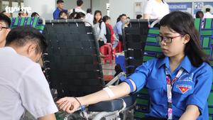 1.200 đơn vị máu từ tấm lòng sinh viên ĐH Tôn Đức Thắng