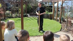 Vườn trong trường giúp 'trị' học sinh cá biệt