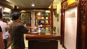 Vụ bán hàng Made in China của Khaisilk: 'Chỉ là xui thôi'?
