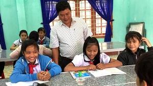 Hiệu trưởng hiến đất xây trường cho học trò Xê Đăng