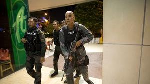 1200 cảnh sát biến chất bị đi cải tạo