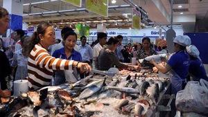 Co.opmart Chư Sê  tấp nập khách sau khai trương