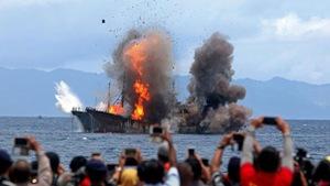 Tại sao Indonesia mạnh tay với tàu cá nước ngoài?
