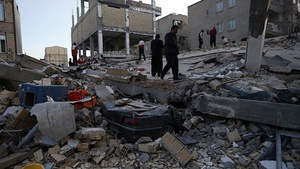 Thị trấn Iran tan hoang sau động đất, hơn 200 người chết