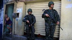 Cả ngàn binh sĩ vào khu ổ chuột Brazil diệt băng đảng