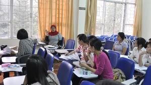 Đại học Singapore, Mỹ dạy sinh viên ra sao?